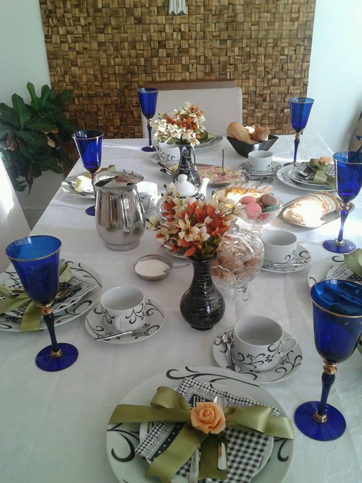 Potes da minha decoração viraram vasos de flores