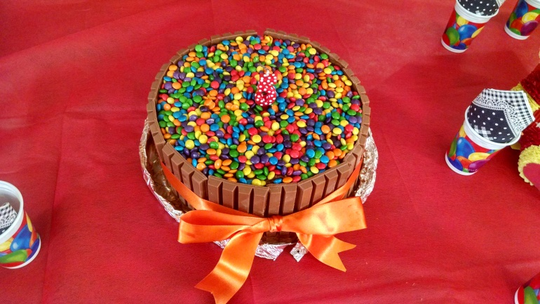 O bolo de kit kat!!