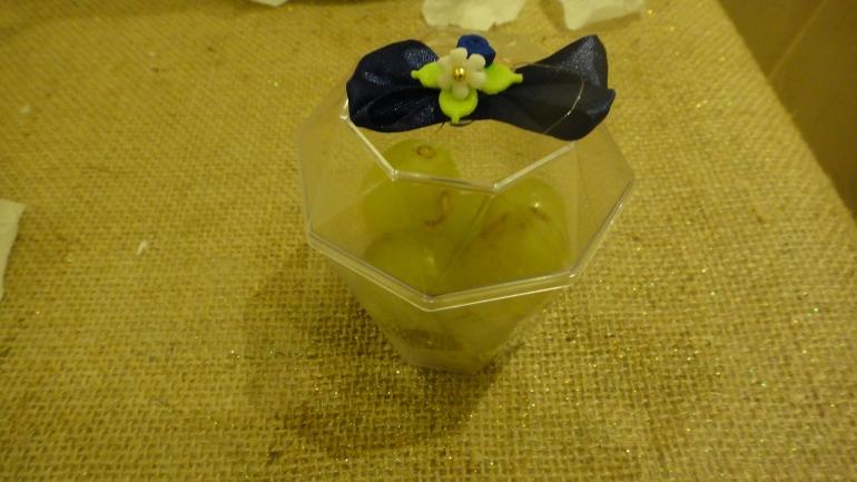 Potinho com as sete uvas
