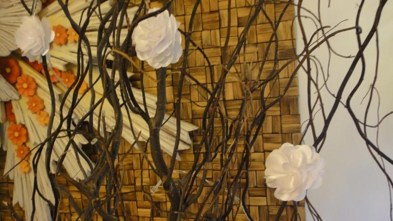 Detalhes das flores nos galhos