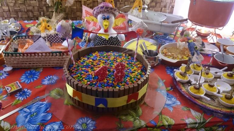 bolo de aniversario junino