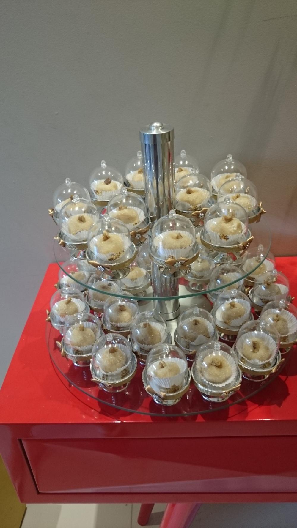 mini cupula com doces