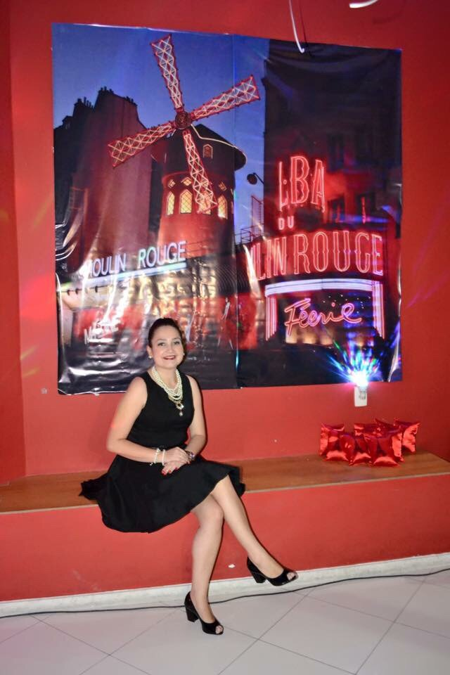 banner moulin rouge